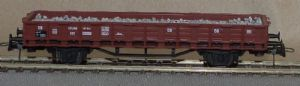 Roco 47942 DB 2-Axle Stake Wagon (No stakes), Ballast Load, Era III [PRE-OWNED]